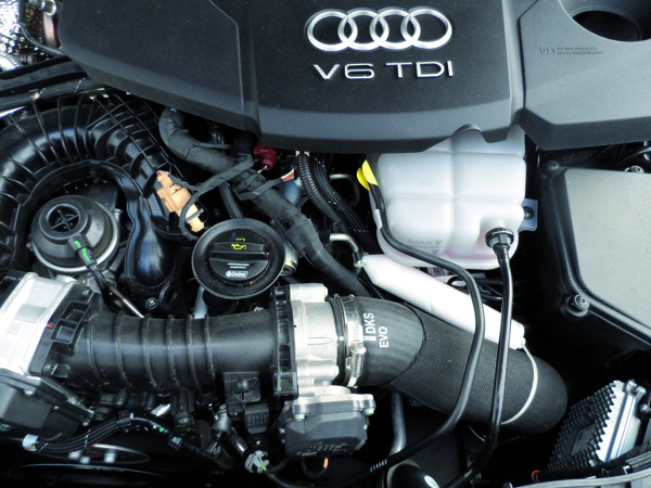 Weber-Isis® Universal Activator in the engine compartment